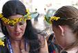 Twist & Twin: dancing identities
